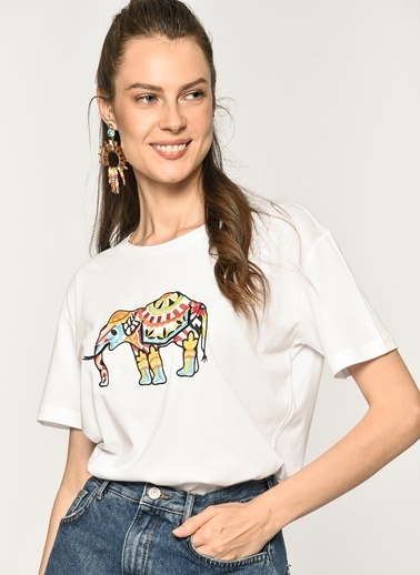 Loves You Fil Nakışlı T-shirt Beyaz